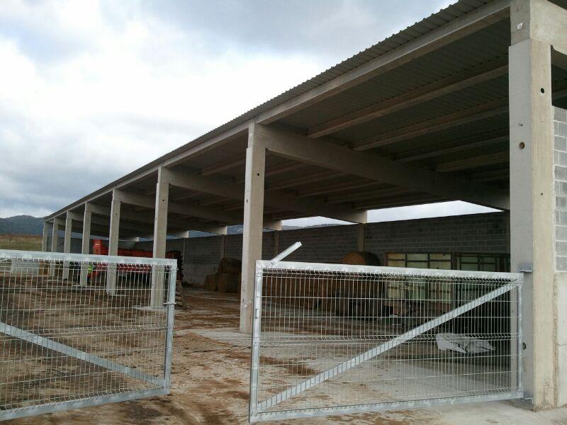 Construcción de cobertizo en Sta. Cruz de Campezo, Álava
