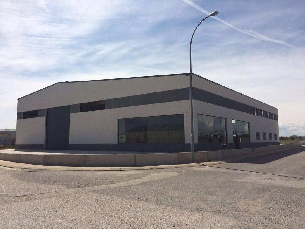 Nave industrial en Almazán, Soria