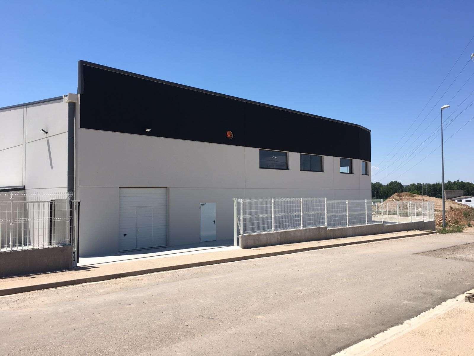 Construcción de un taller para cambio de neumáticos en Villamediana, La Rioja